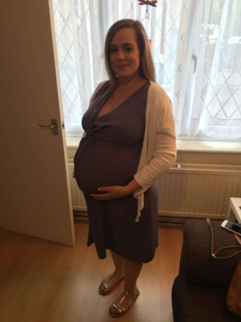 Pregnant, feeling confident and beautiful